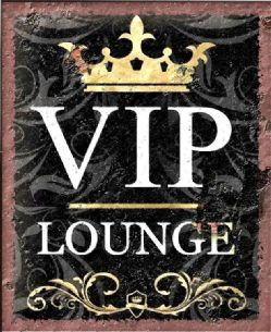 VIP Lounge Vintage Style Rusty Effect Metal Sign Wall Plaque 15X20cm
